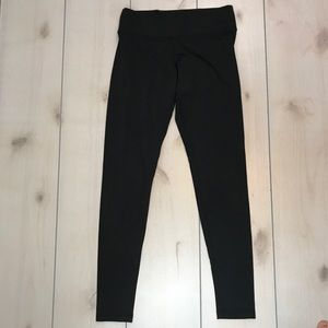 VS PINK Black Ultimate Mid Rise Leggings Small